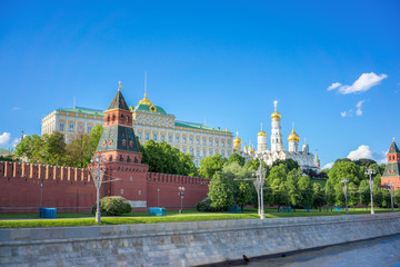 Fototapete - Amazing Landscape of the Kremlin Wall and Moscow river