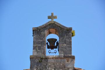 pequeño campanario de una ermita