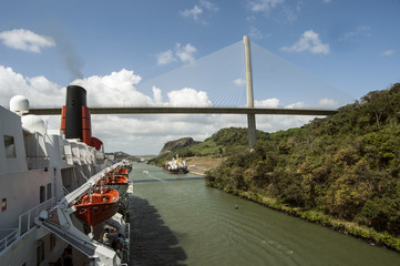 Cruise ship passing the gatun locks gateways, Panama Canal