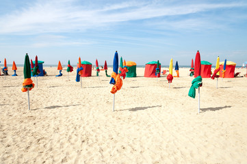 Colorful tents and umbrellas on famous Deauville beach, Normandy Fototapete