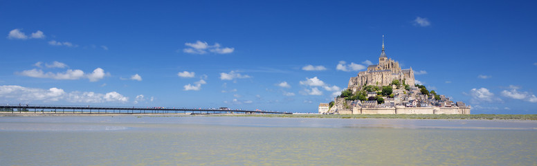 Panoramic view of famous Mont-Saint-Michel
