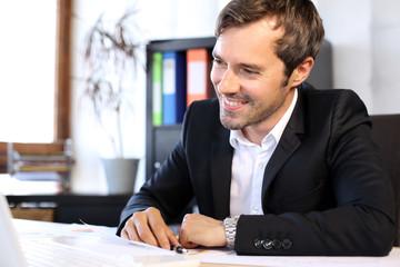 Papier Peint - Happy young business man