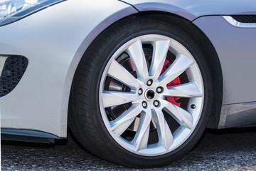 車のタイヤ  Tire of the car