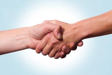 Nahaufnahme beim Händeschütteln