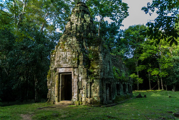small temple in ruins in the archaeological enclosure of preah khan, siam reap, cambodia