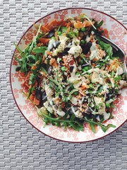 Salad with roasted vegetables and almond dressing