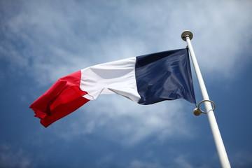 Drapeau français flottant au vent
