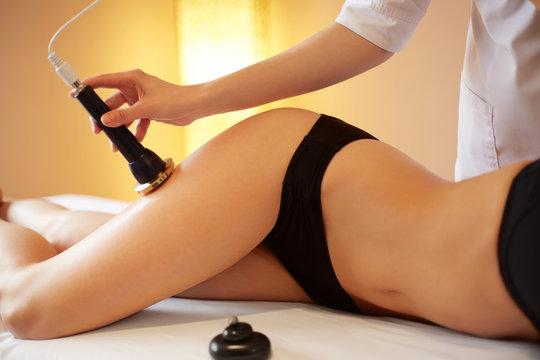 Ultrasound Cavitation Body Contouring Treatment.   Body Care.