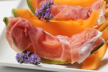 Prosciutto crudo di San Daniele e melone Cucina italiana estiva