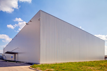 Foto op Aluminium Industrial geb. Aluminum facade on industrial building