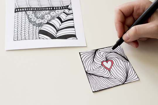 Hand drawing Entangle heart
