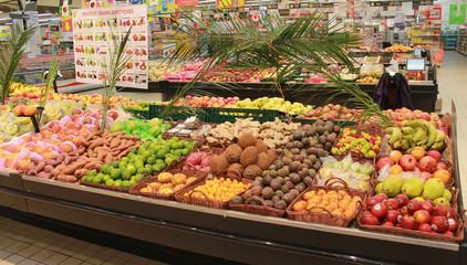 étalage fruits exotiques