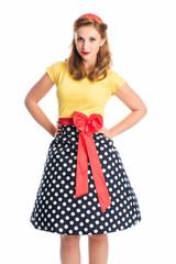 Junge Frau im Rockabilly Kleid
