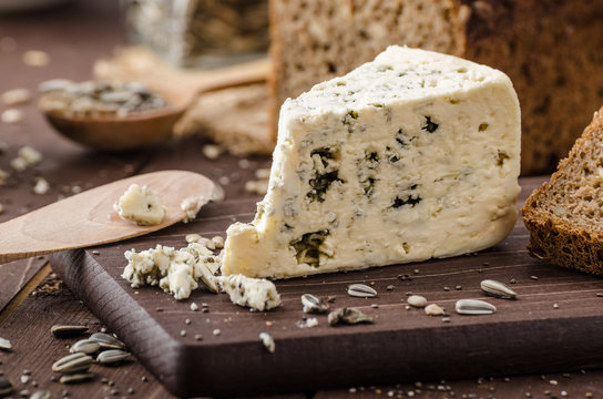 Blue cheese delicious cheese