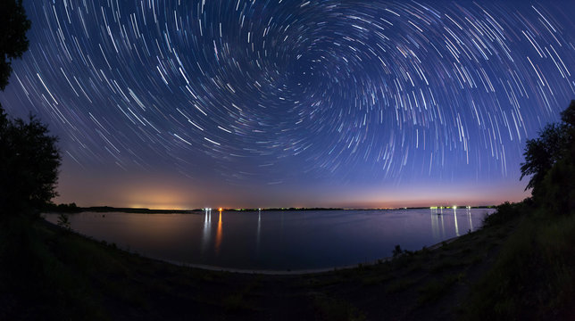 Star trails with zoom effect