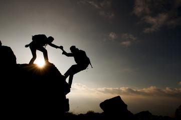 kaya tırmanış yardımı&dağcılar silüet