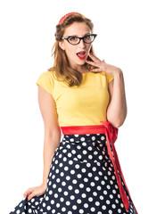 Arrogantes Pin up Girl mit Brille