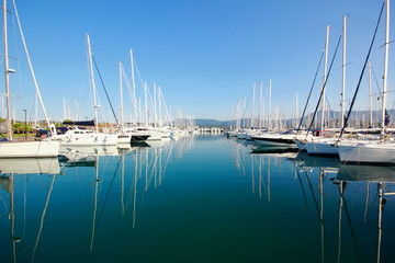 Printed roller blinds Water Motor sports reflections yachts and boats in a marina