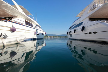 Printed roller blinds Water Motor sports reflections of super yachts and motor power boats in a marina