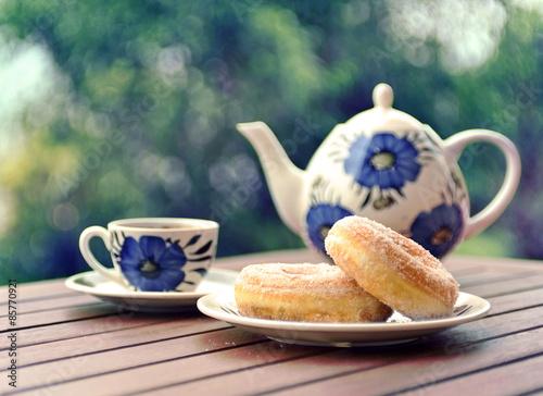 хлеб чай кружка чайник масло  № 2118808 без смс