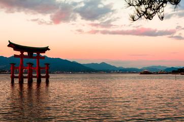 宮島の夕陽