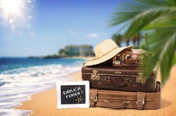 Koffer am Strand