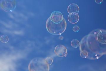 Bilder und videos suchen seifenwasser for Seifenblasen auf englisch