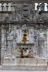 Rua Escura Fountain in Porto