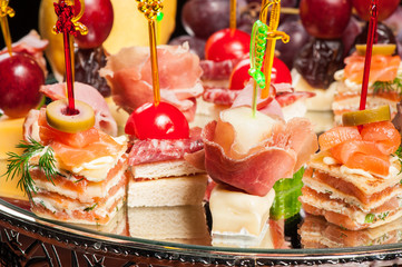 Various kinds of canapes