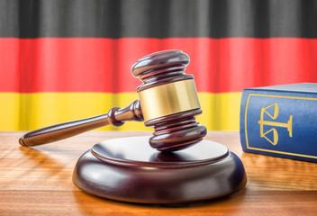 Richterhammer und Gesetzbuch - Deutschland