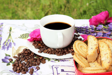 A cup of tasty coffee in the morning with cookies