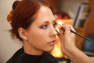 Applying art make-up