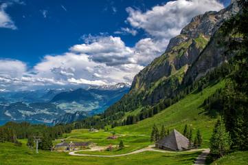 Вид на швейцарские альпы