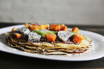 Pancakes with exotic fruits