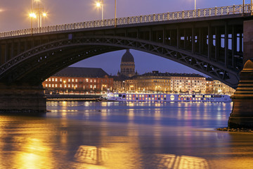 Theodor Heuss Bridge and Christuskirche. Mainz, Rhineland-Palati
