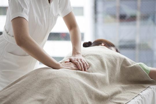 Women who have a waist a massage