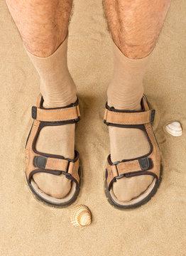 Typisch deutscher Tourist, Mann mit Sandalen und Strümpfen