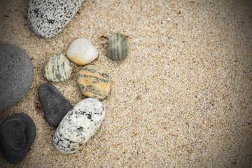 Hintergrund Sandboden mit Steinen
