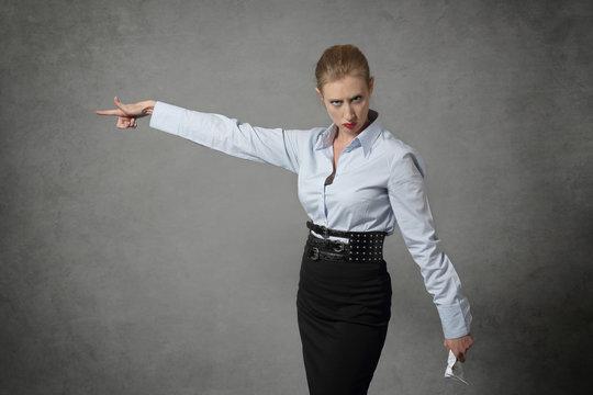 licenciement par femme d'affaires autoritaire
