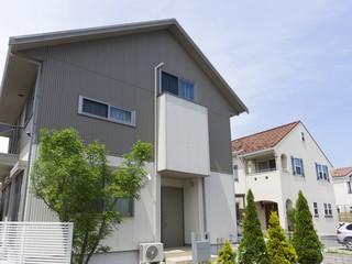 戸建て住宅 イメージ 分譲住宅 注文住宅 連棟 ストライプサイディング調と欧風調
