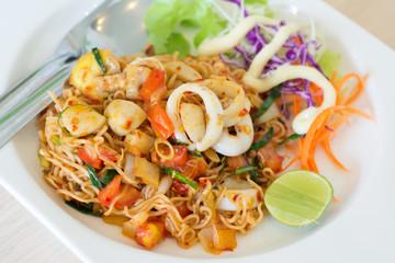 Fried Thai Mama Instant Noodles (Fried Thai Mama Tom yum)