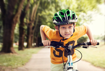 Speed little cyclist