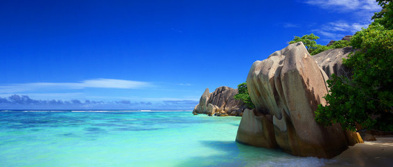 Plage des Seychelles Wall mural