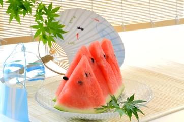夏イメージ スイカ 風鈴 団扇 青モミジ