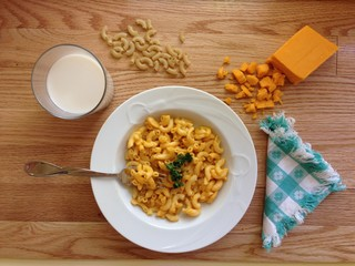 Aerial view of a bowl of macaroni and cheese