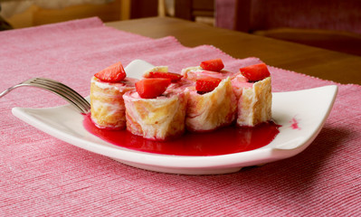 Sweet rolls with strawberries