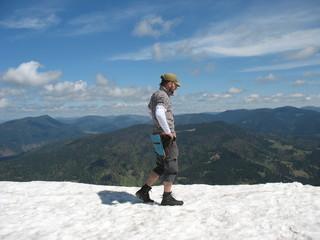 Снежное лето в горах