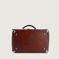 Old-fashioned brown traveller's bag