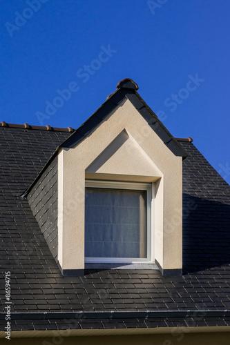 Dachgaube Modern dach moderne dachgaube als spitzgaube mit dreiecksfenster in weißem