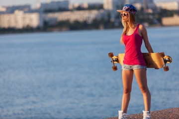 Fashion, girl, skateboard.